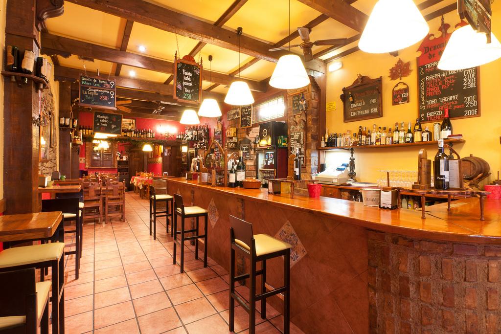 Fotografia de instalaciones restaurante bar Asturias